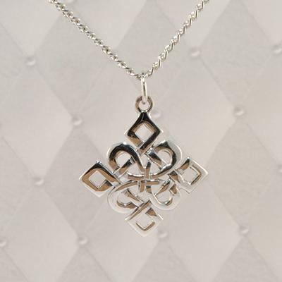 Diamond-Knot Silver Pendant - JSP003