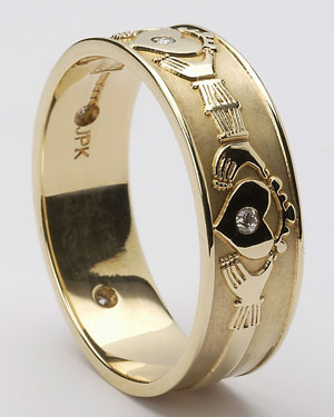 Gents Diamond Set Claddagh Band WED4