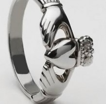 Ladies Claddagh Ring Large CLAD6