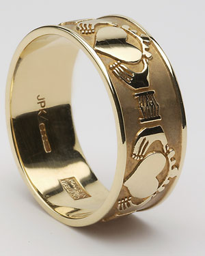 Gents Extra Wide Claddagh Band WED263